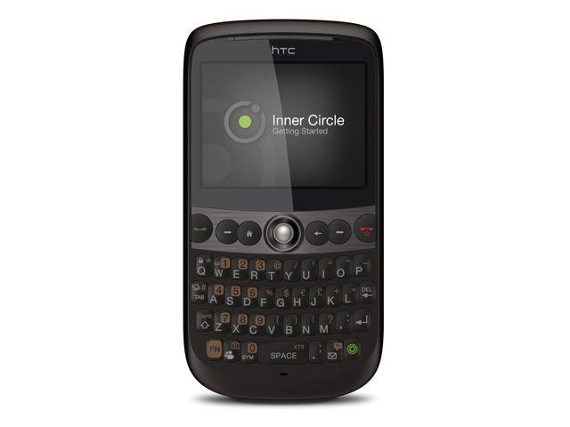obsah balení HTC Snap + cestovní nabíječka miniUSB 220V